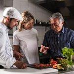 Lo chef Gianluca Lizzio, Vanessa Cannizzaro e il padre Giuseppe Cannizzaro