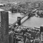 Uitzicht vanaf ONE WTC. Prima bereikbaar via metro.