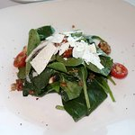 Spinach salad with candied bacon and pecans