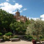La catedral desde el jardín