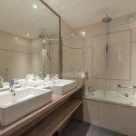 Salle de bain chambre Premium Sèche-cheveu