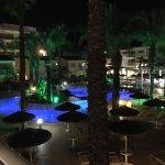 Photo de Tasia Maris Gardens Apartments