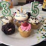 Photo de Molly's Cupcakes