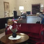 Maplewood Hotel lobby/front desk