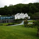 Samling hotel with new restaurant extension.