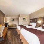 Standard 2 Queen Beds Room (Renovated)