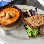 Great Mussels & sandwiches & Soup!  Dog friendly outside.  Cold Yuengling too