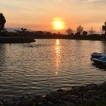 lago y lanchas de pedal