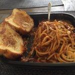 Garlic bread and spaghetti