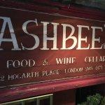 صورة فوتوغرافية لـ Ashbee's Wine Bar