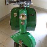 Peu de deux roues, mais un beau lambretta des 60's