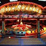 Dingles moon-rockets ride