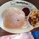 SMITHFIELD PULLED PORK SANDWICH