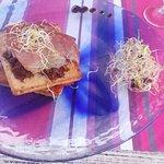 Toasts tomates séchées et jambon cru