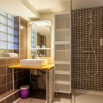 Salle de bain suite king size rez de chaussée