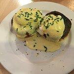 Mushroom, hollandaise, egg and muffin