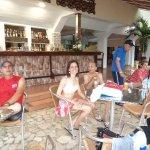 Servicio excelente del Loby Bar y Piscina