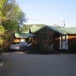 Foto de The Log Cabin Motel