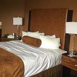 Photo de Best Western Plus Suites Hotel Coronado Island