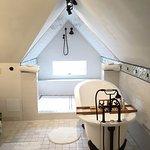 Attic suite bathroom