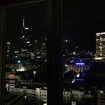 Aussicht bei Nacht vom 15. Stock aus