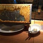 Honig vom Bienenstock auf dem Hoteldach