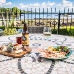 Al Fresco dining at Eccles Hotel
