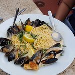 Spegetti and Mussels - Pretty good - not earth shattering.