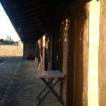 entrada a las habitaciones que dan al jardín interior