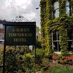 Photo de A-Haven Townhouse Hotel