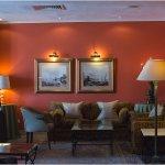 Caprice Lounge