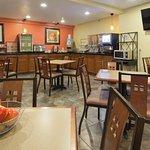 Best Western Plus Altoona Inn Photo