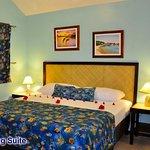 Photo de West Bay Lodge and Spa