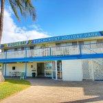 Rowes Bay Beachfront Holiday Park Photo