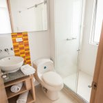aseo, limpieza, agua caliente, amenities, ducha especial