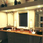 grand master suite - bathroom/vanity