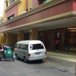 Photo de Kabayan Hotel Pasay