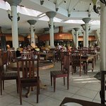 Le Superbe general dinning area (Buffet)