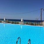 Photo de Hotel Plakures