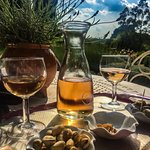 A welcome aperitif in the beautiful grounds