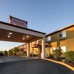 Red Lion Inn & Suites- Sequim