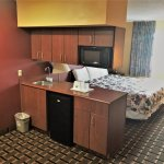 KING SUITE (KITCHENETTE)