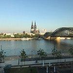 Aussicht aus dem Hyatt mit Blick auf Rhein und Dom