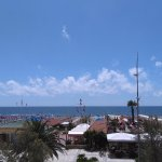 Praia em frente ao Hotel Biagiotti