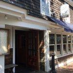 Wharf Pub & Restaurant