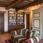 living room (261512410)