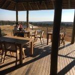 Photo de Mhondoro Game Lodge