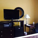 Room amenities include Microwave, Refrigerator,Television, Coffee Maker