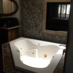 Nice jacuzzi in room