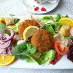 Salmon fishcakes with salad and homemade coleslaw - delicious!
